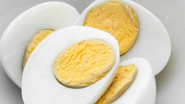 Hartgekochte Eier: Wie schädlich ist der blau-grüne Rand?