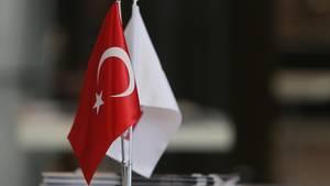 Das Auswärtige Amt warnt deutsche Touristen vor dem Besuch politischer Veranstaltungen in der Türkei