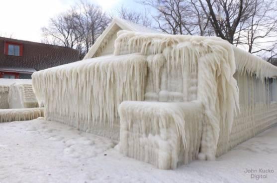 In Ontario steht ein Haus das aussieht wie aus Disneys Frozen