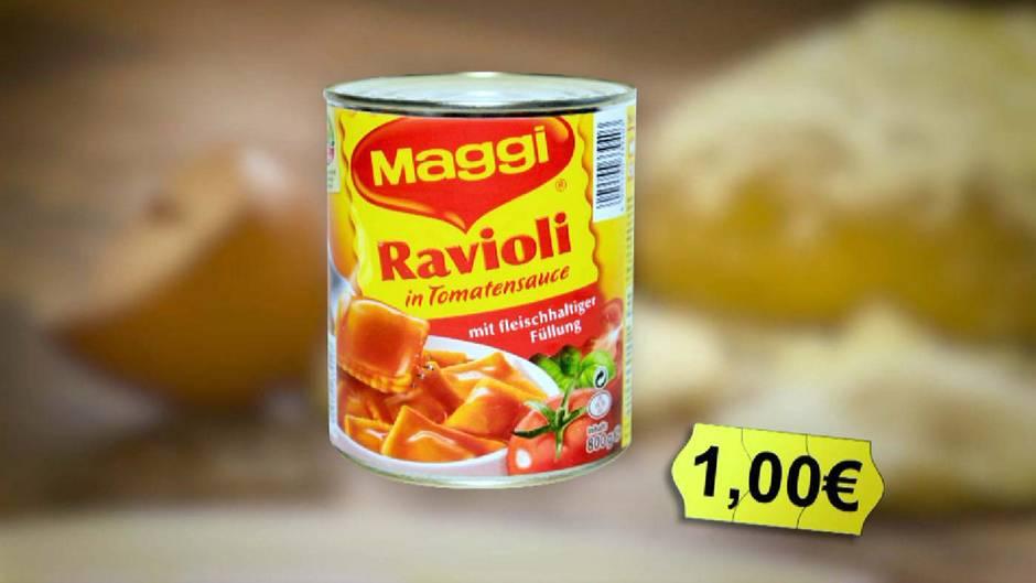 Magggi Marken-Ravioli in pikanter Sauce  Mittelfeld mit Schulnote: 3  Ausgerechnet das mit 1,00 Euro pro Teller recht teure Markenprodukt erreicht im stern TV-Test nur die Schulnote 3. Abzüge gibt es bei den Maggi Ravioli in Tomatensauce vor allem, weil Hefeextrakt drin ist, obwohl auf der Verpackung angegeben ist, dass sie frei von Zusatzstoffen sein sollen. Die Variante mit Fleisch in der Sauce enthält noch mehr Zusatzstoffe. Dafür gab es Abzüge in der Beurteilung und die Endnote 4.  Geschmacklich schnitt Maggi gut ab, aber das Preis-Leistungs-Verhältnis stimmt trotzdem nicht.