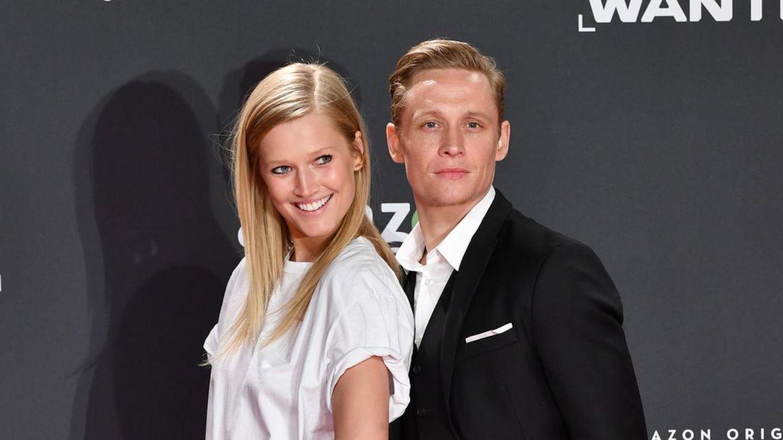 """Toni Garrn und Matthias Schweighöfer auf der Premiere zur Amazon-Serie """"You Are Wanted"""""""