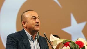 Der türkische Außenminister Mevlüt Cavusoglu provoziert mit neuen Äußerungen.