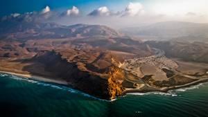 """""""Bei einem Hubschrauberrundflug an der Küste Kenias hat mich der Gegensatz zwischen dem Meer und dem ausgetrockneten Flussbett besonders beeindruckt.""""      Mehr Fotos vonpowellin derVIEW Fotocommunity      Aktionen und Informationen aus der VIEW Fotocommunity aufFacebookoderTwitter"""