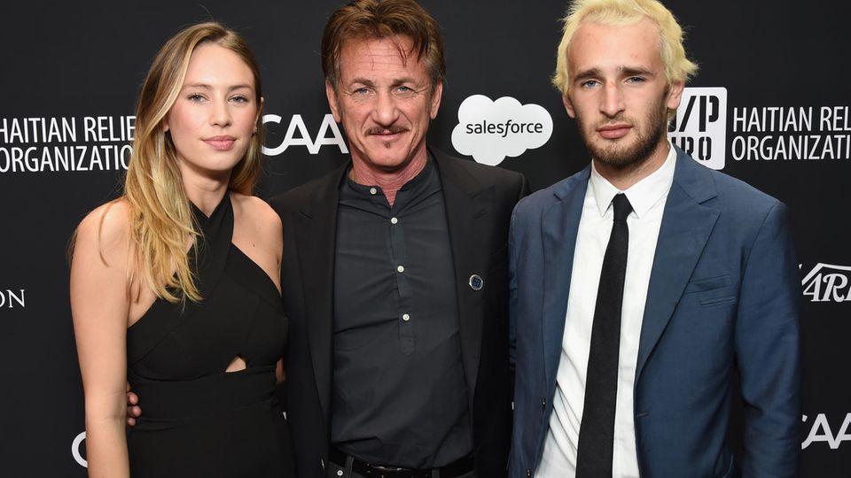Sean Penn mit seinen Kindern Dylan und Hopper