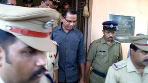 In Indien soll ein katholischer Priester (M.) eine 16-Jährige vergewaltigt und geschwängert haben