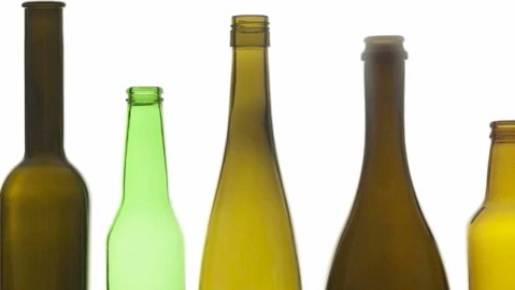 Fragen, die sich jeder stellt: Darum sind  Weinflaschen manchmal grün und manchmal braun