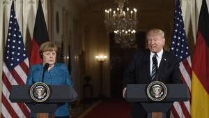 Angela Merkel und Donald Trump bei ihrer ersten Pressekonferenz.