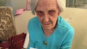 Die 101-jährige Caroline liebte die 50er Jahre und isst jeden Tag Eis. Ihre Lebensweisheiten kann man bei Reddit nachlesen.