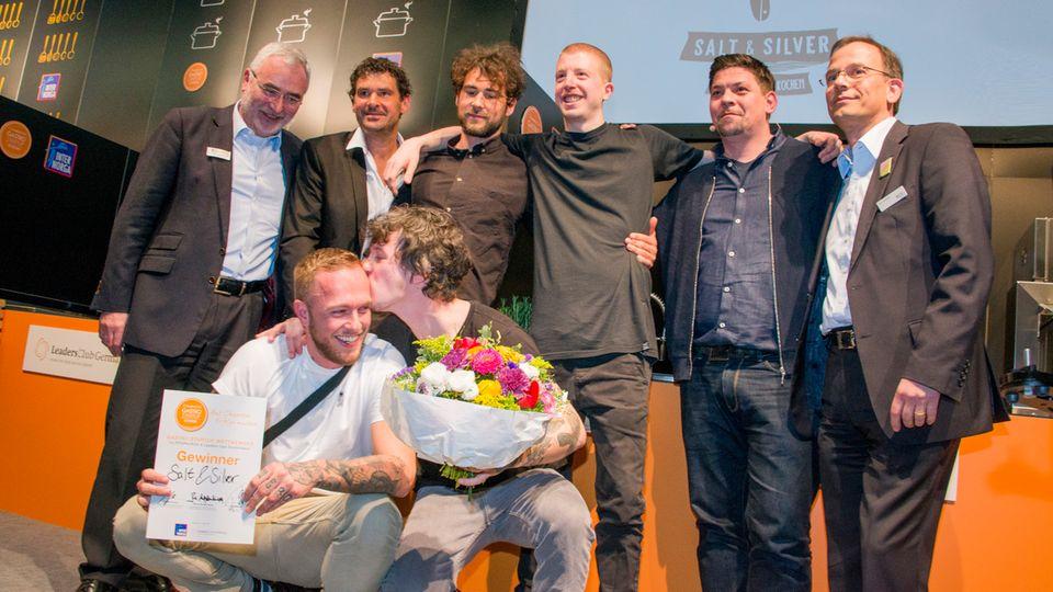 """Um 10.000 Euro reicher: Die Jungs von """"Salt & Silver"""" haben den Gastro-Startup-Wettbewerb des Hamburger Leaders Club gewonnen"""