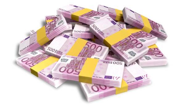 In einem Hamburg Linienbus hat Sophie Dorison 20.000 Euro in 500-Euro-Scheinen gefunden - und geht jetzt fast leer aus