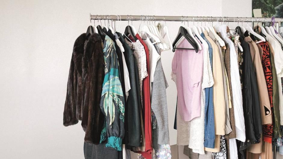 Mehr als 3000 Kleidungsstücke gibt der Fundus der Kleiderei her.
