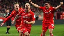 Philipp Hosiner und seine Teamkameraden von Union Berlin jubeln über das 1:0 gegen den 1. FC Nürnberg