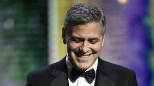 George Clooney brachte Blumen und eine Karte mit