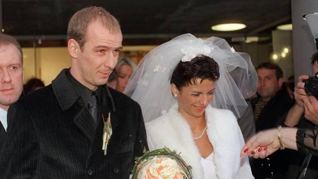 Super Mario Basler Kehrt Zurück Zu Seiner Ex Frau Sternde