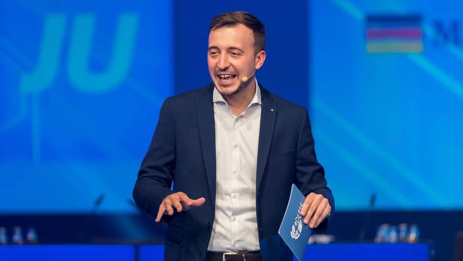 Paul Ziemiak, Vorsitzender der Jungen Union, hat vor allem SPD-Kanzlerkandidat Martin Schulz im Visier (Archivbild).