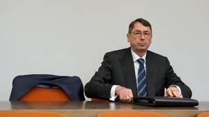 Georg Funke bringt Anschuldigungen gegen die  Deutsche Bank vor