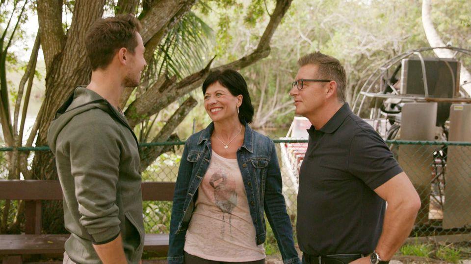 Bachelor Sebastian mit seinen Eltern