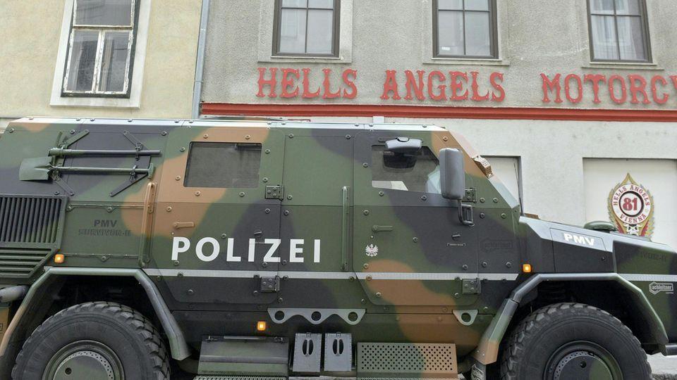 Wien im Januar: Immer wieder werden Mitglieder des Rockerclubs Hells Angels festgenommen