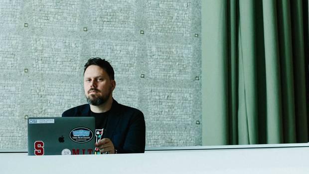 Sandro Gaycken lehrt an der Berliner Privat-Uni ESMT im ehemaligen DDR-Staatsratsgebäude