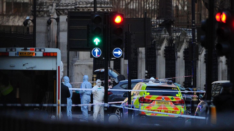 London: Forensiker sichern den Tatort