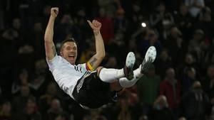 Lukas Podolski jubelt