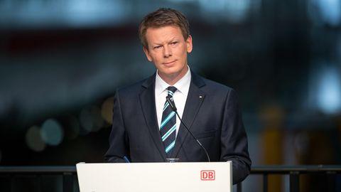 Deutsche Bahn-Chef Richard Lutz bei einer Pressekonferenz