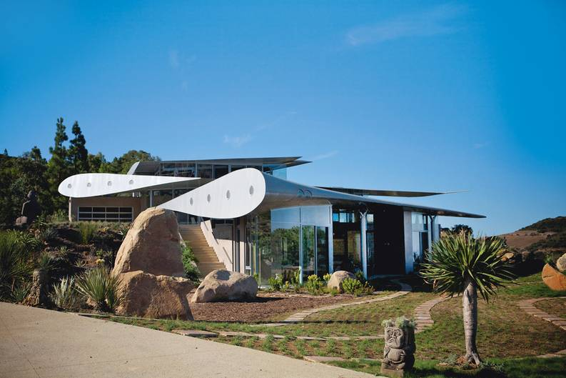 WING HOUSE   California, United States  Antonia Edwards - Upcycled Homes