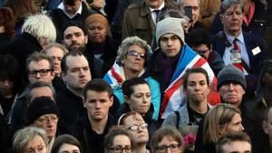 Auf dem Trafalgar Square in London versammelten sich tausende Menschen zu einer Mahnwache für die Opfer des Anschlages