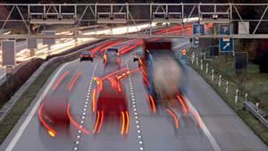 Deutsche Autobahnen werden mautpflichtig. Das hat der Bundestag beschlossen.