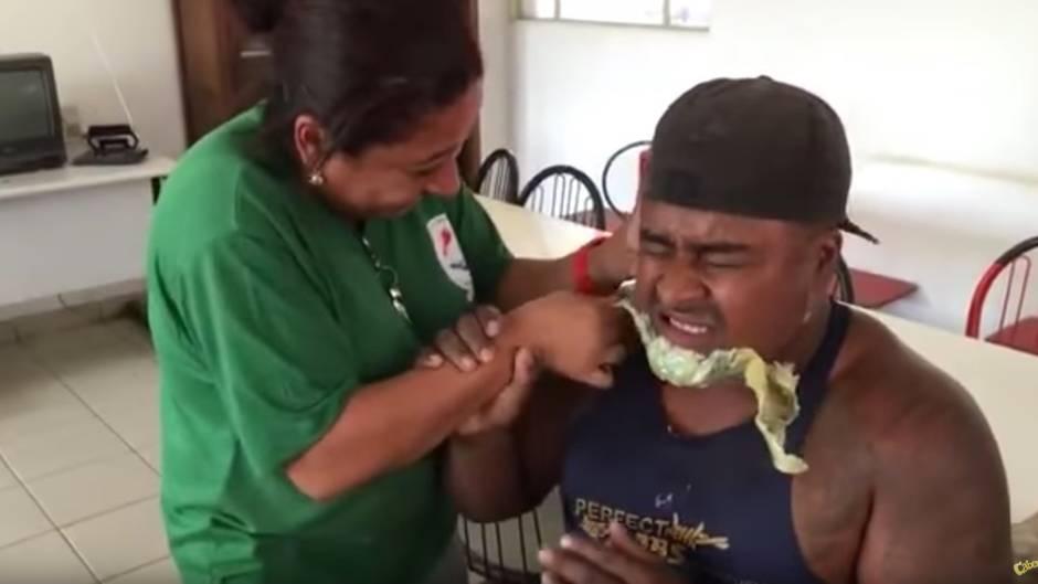 Lustige Reaktion: Darum ist Bart-Waxing keine gute Idee