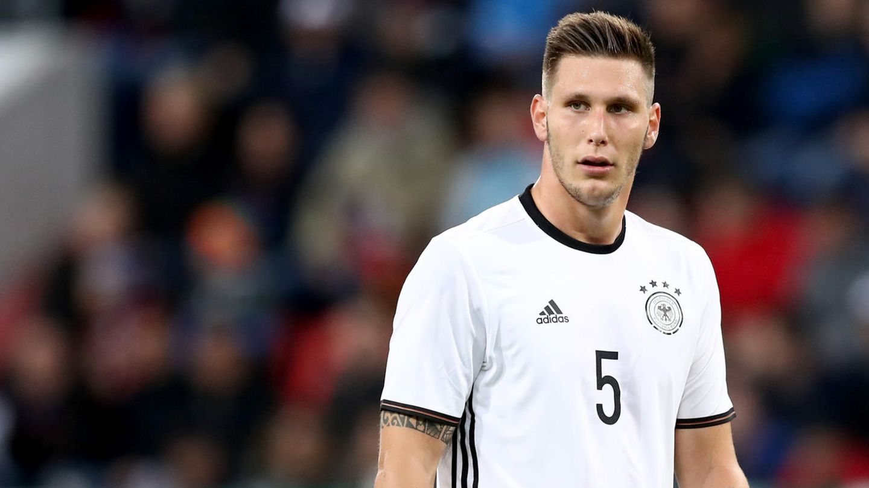 Niklas Süle im Nationaltrikot - als Jugendspieler wurde er vom türkischen Nationaltrainer umworben
