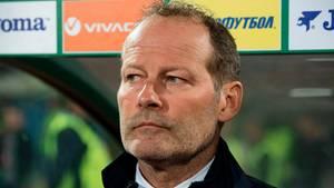 Danny Blind mit versteinerter Mine - Hollands Bondscoach ist entlassen worden