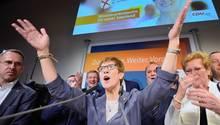 Annegret Kramp-Karrenbauer jubelt über Sieg bei Saarland-Wahl in der CDU-Zentrale