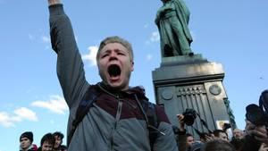 Russland: Allein in Moskau protestierten am Sonntag 8000 Menschen gegen Korruption.