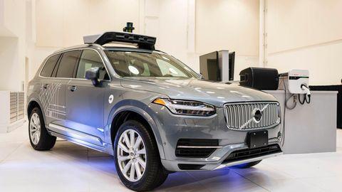 Uber hat die eigenen Roboter-Autos erstmal von der Straße verbannt.