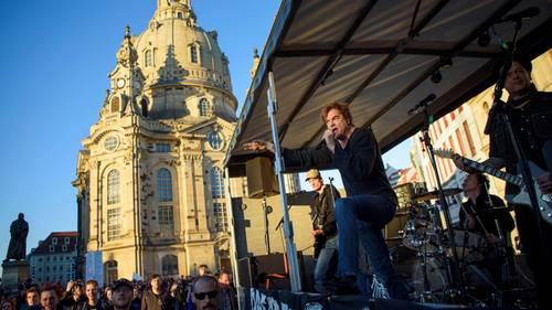 Die Toten Hosen sind am Montag überraschend in Dresden aufgetreten