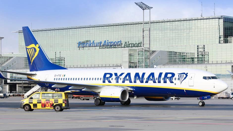 Die erste Maschine von Ryanair, die vom Frankfurter Flughafen abhob, hat Kurs auf Mallorca genommen