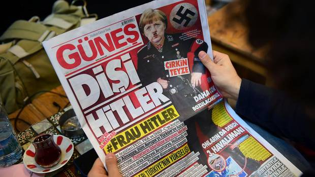 Zeitung Merkel Frau Hitler