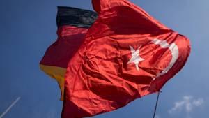 Schleichende Entfremdung? Eine stern-Umfrage erkundigte sich nach der Meinung zum aktuellen deutsch-türkischen Verhältnis.