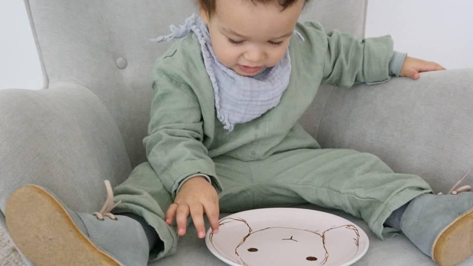 Mehr Zeit mit den Kindern – gemeinsam Osterteller und Hasenbrötchen selber machen.
