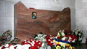 Das Grab des Ferrari-Gründers Enzo