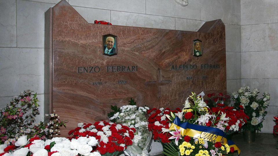 Rennsport-Legende: Verbrecher planten Diebstahl von Enzo Ferraris Leiche