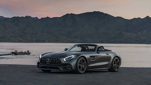 Mercedes AMG GT C Roadster - passt auch geschlossen