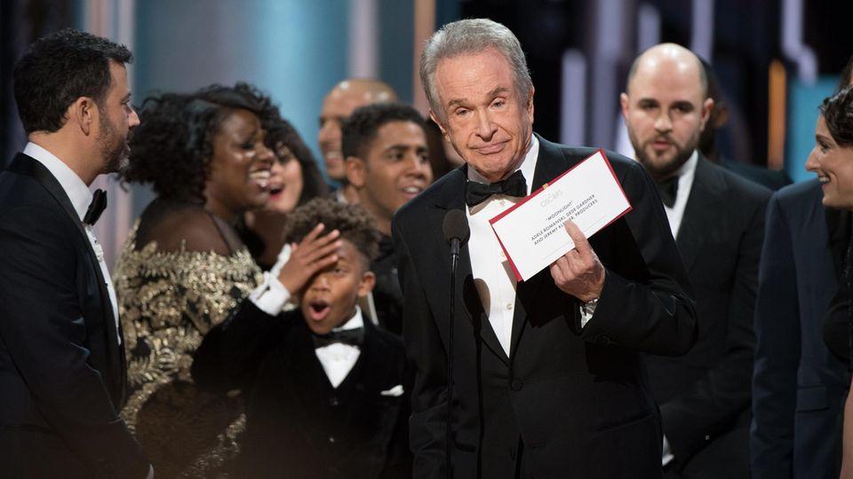 Laudator Warren Beatty bei der Oscarverleihung 2017