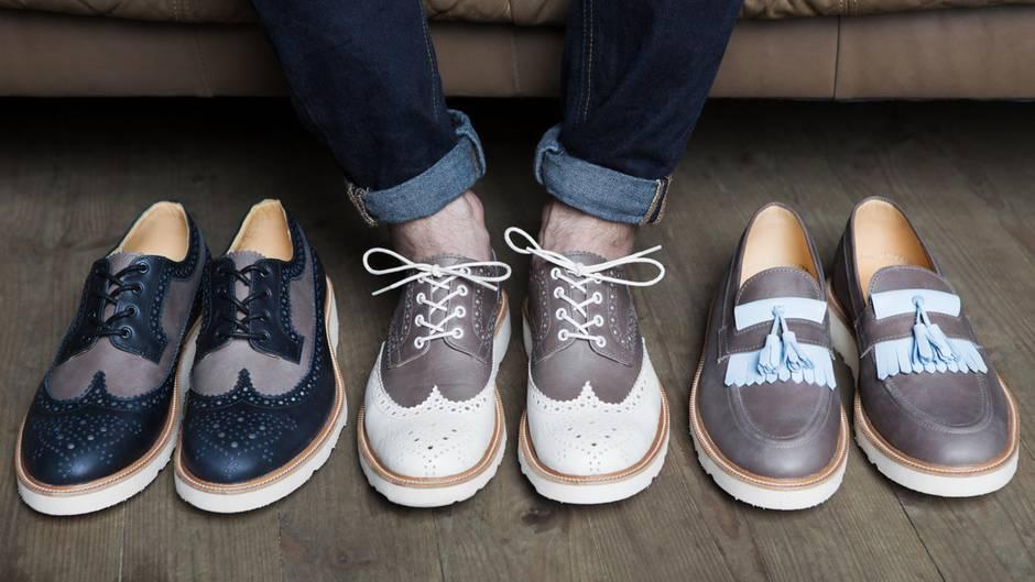 Wir kombinieren die Farbe der Schuhe mit der Farbe der
