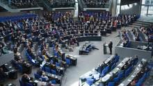 Bundespräsidenten Frank-Walter Steinmeier hält eine Rede im Bundestag