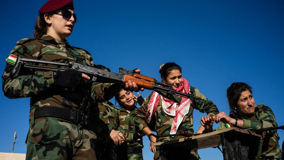 Soldatinnen der Sun Ladies