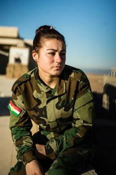 Nadia Haji Cholw, Soldatin der Sun Ladies