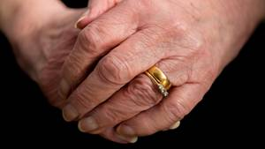 Ein Ehering, der vor über einem Jahrzehnt verloren ging, fand zu seiner rechtmäßigen Besitzerin zurück (Symbolbild)