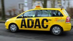 Ein Wagen der ADAC-Pannenhilfe in Bochum